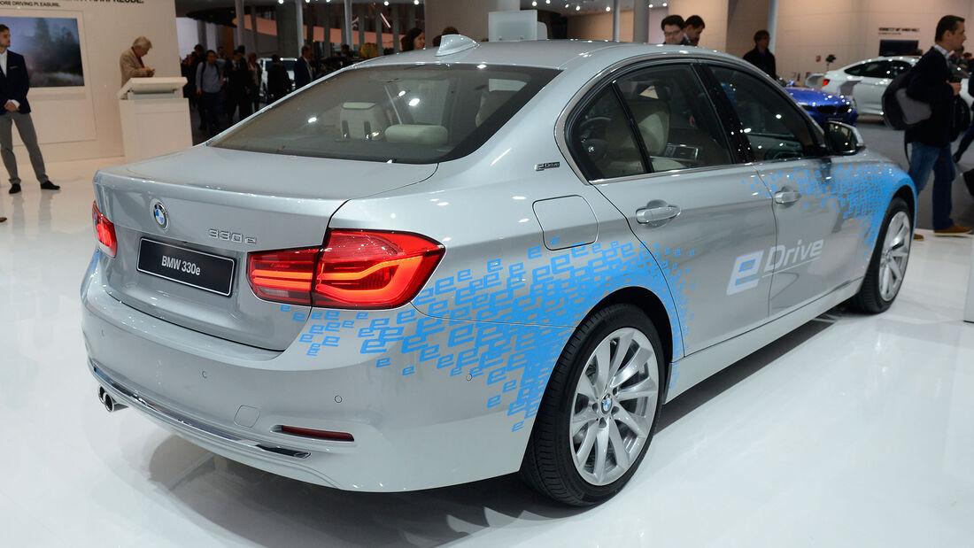 BMW 330e IAA