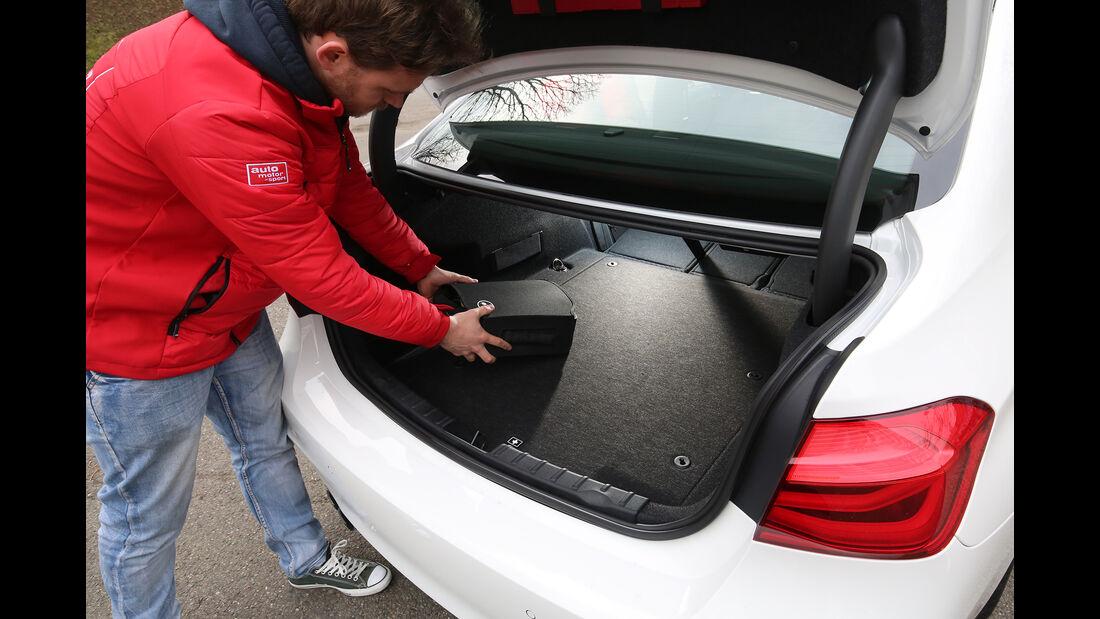 BMW 330e Kofferraum