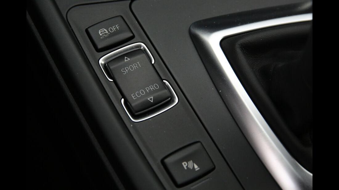 BMW 330i Details