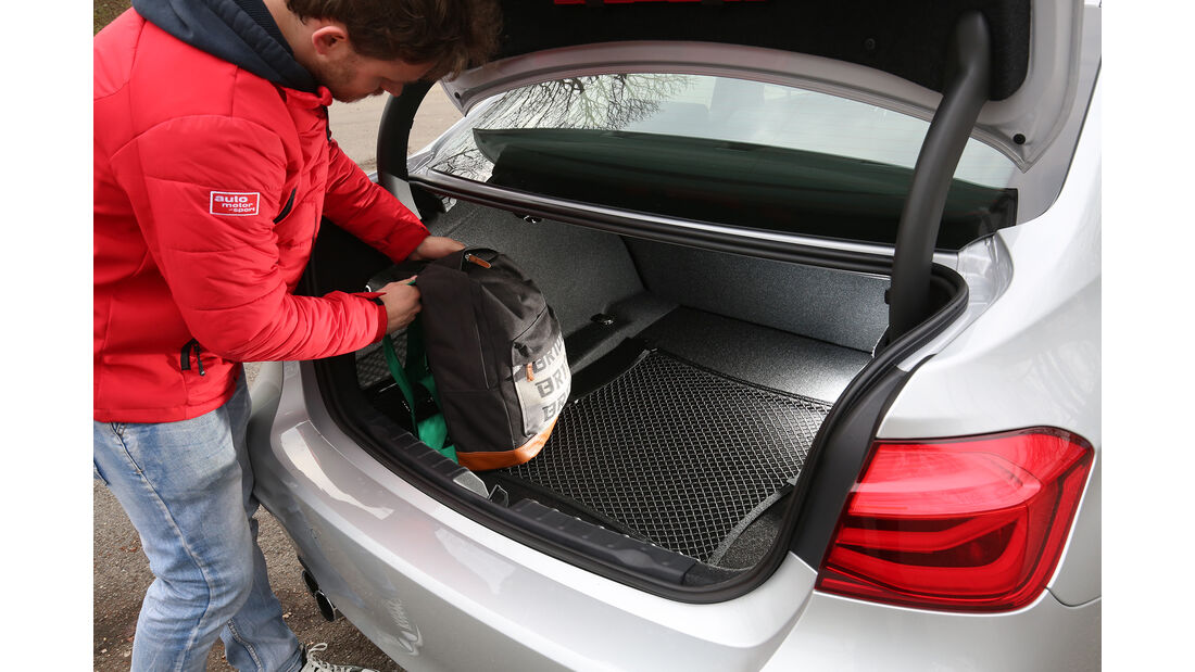 BMW 330i Kofferraum