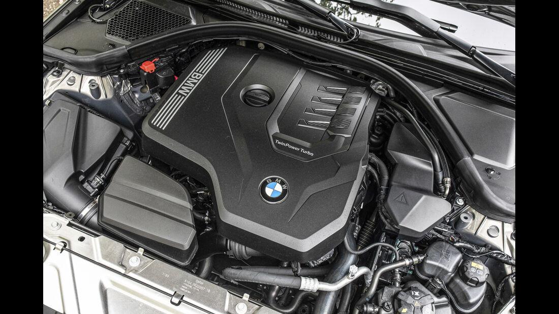 BMW 330i Touring, Motorraum