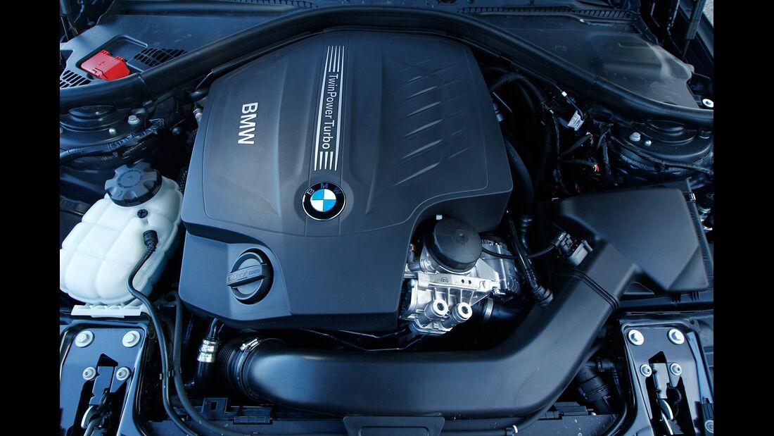 BMW 335i x-Drive Luxury Line, Motor