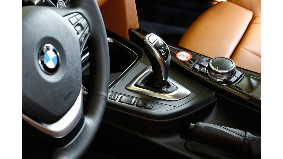 BMW 335i xDrive Touring, Schalthebel