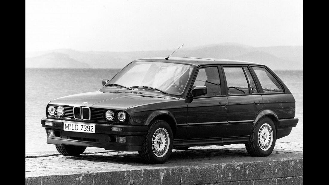BMW 3er Touring - E30 - Frontansicht von schräg vorne
