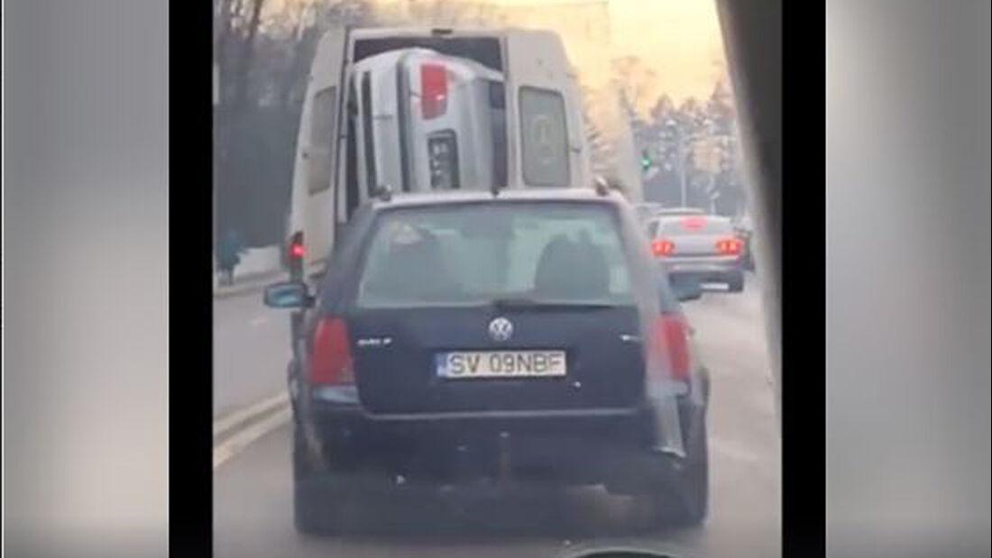 BMW 3er im Mercedes Sprinter