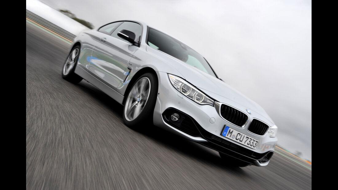 BMW 435i Coupé, Frontansicht, Kurvenfahrt