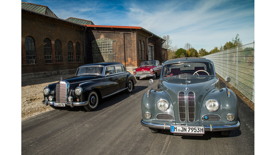BMW 502, Mercedes 300, Opel Kapitän, Frontansicht
