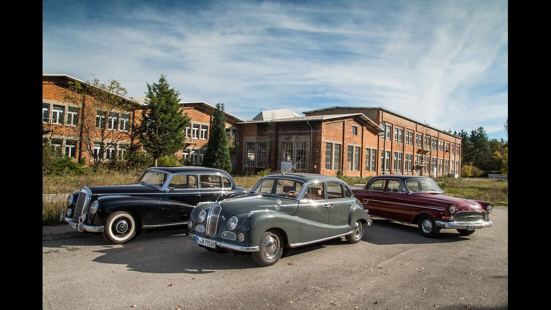 BMW 502, Mercedes 300, Opel Kapitän, Gruppenbild