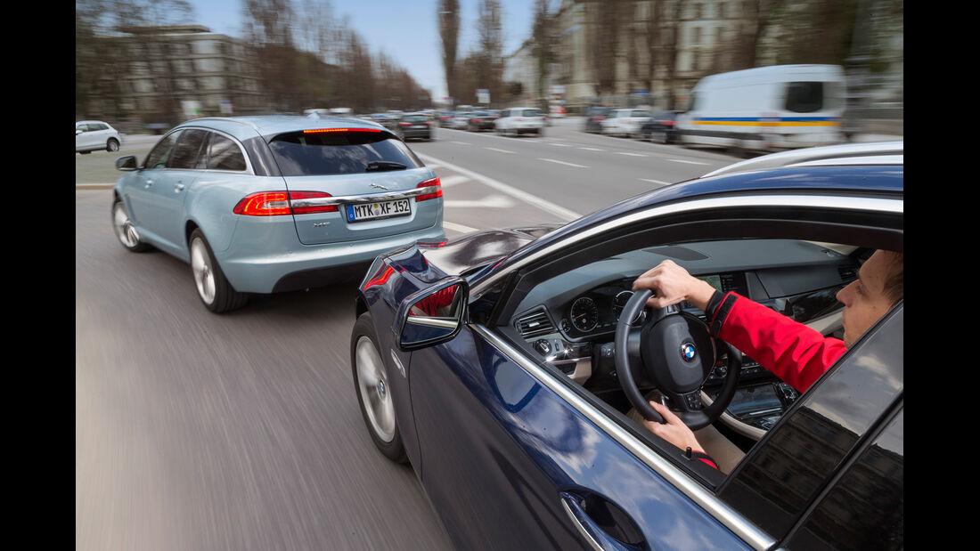 BMW 520d Touring, Jaguar XF Sportbrake 2.2D, Seitenlinie