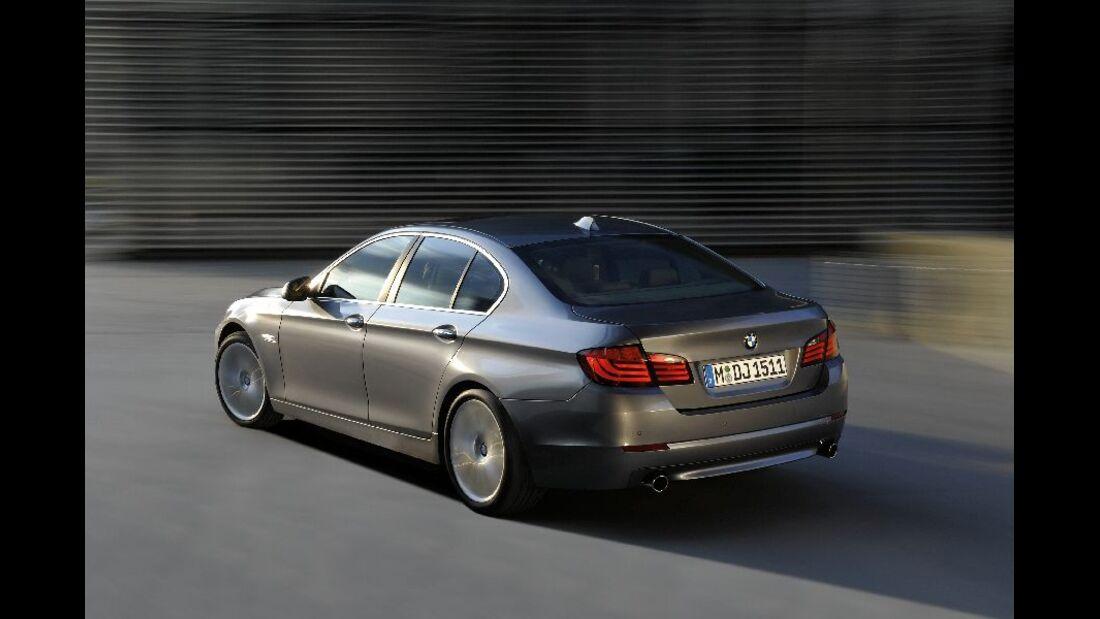 BMW 523i schräg von der Seite