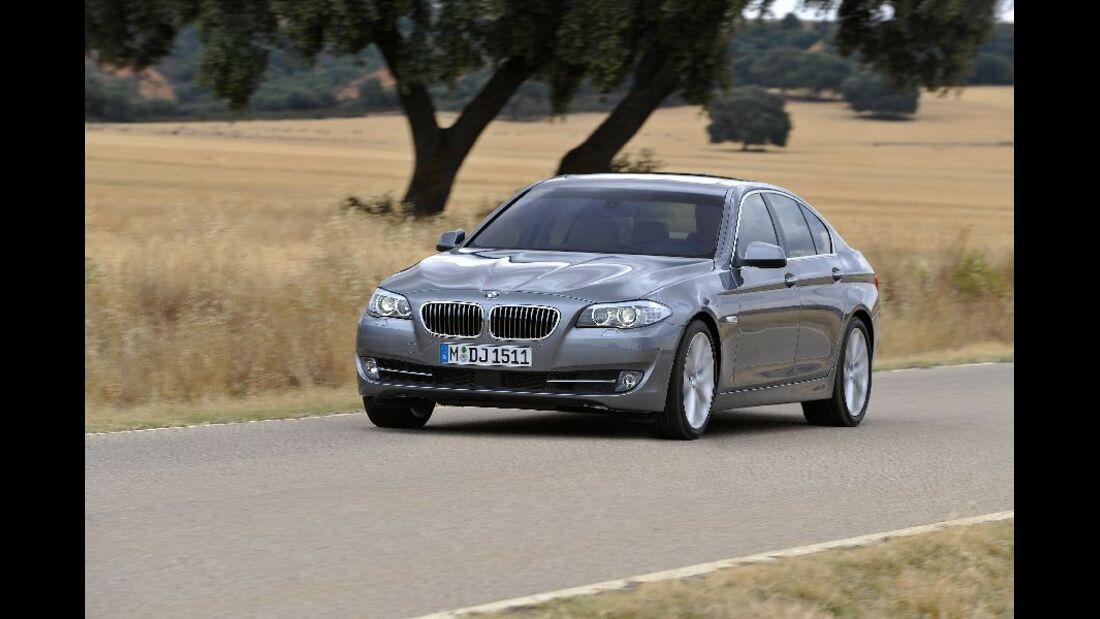 BMW 523i schräg von vorne