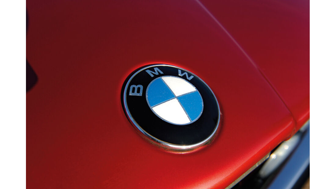 BMW 528i, Emblem