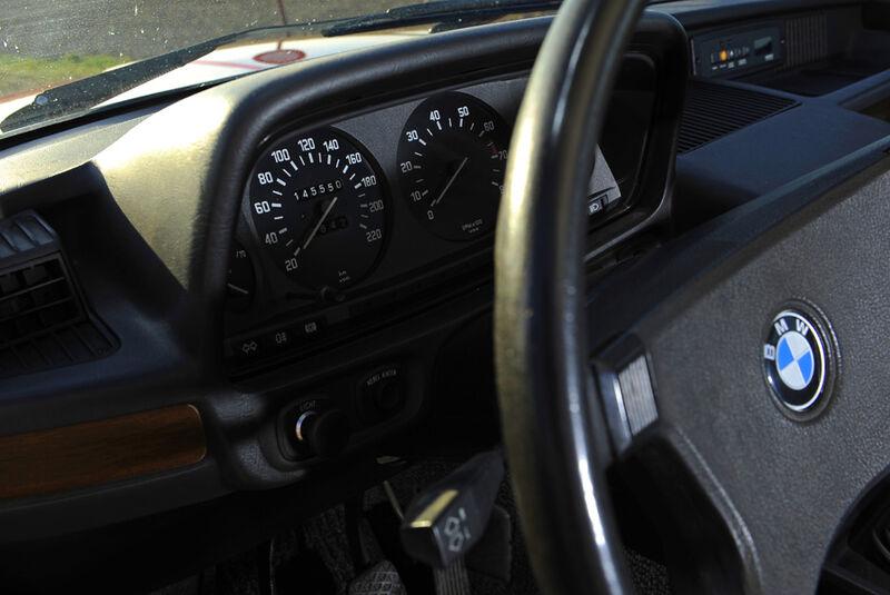 BMW 528i, Lenkrad