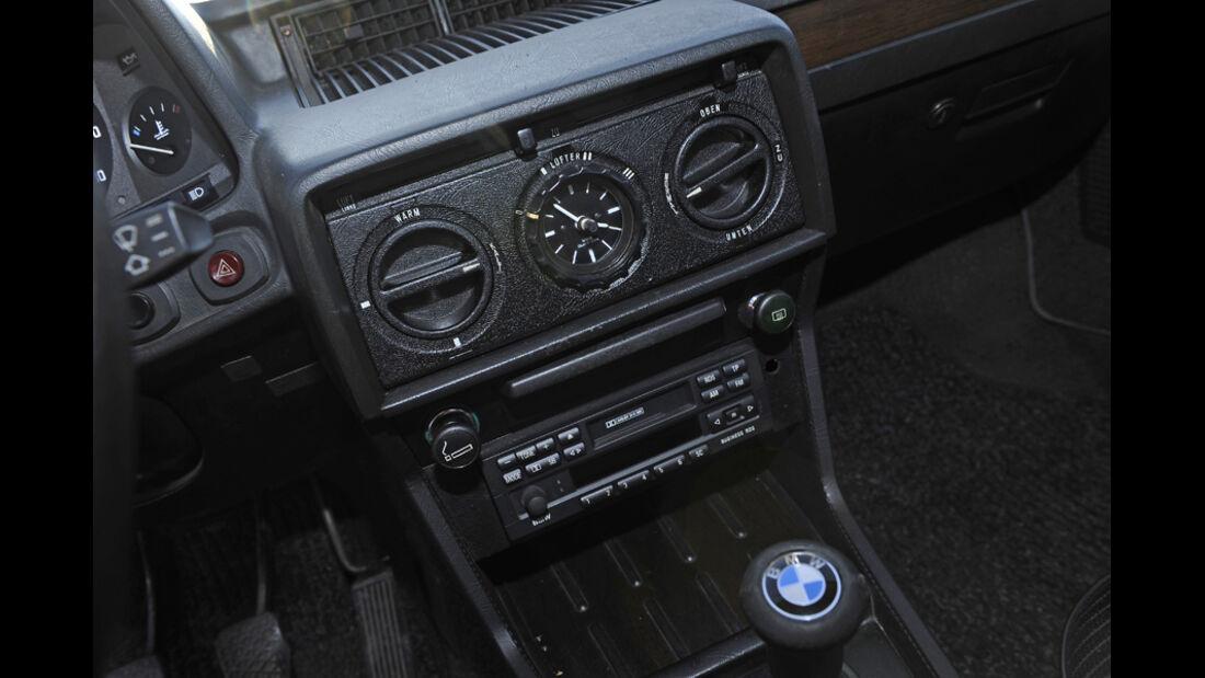 BMW 528i, Mittelkonsole