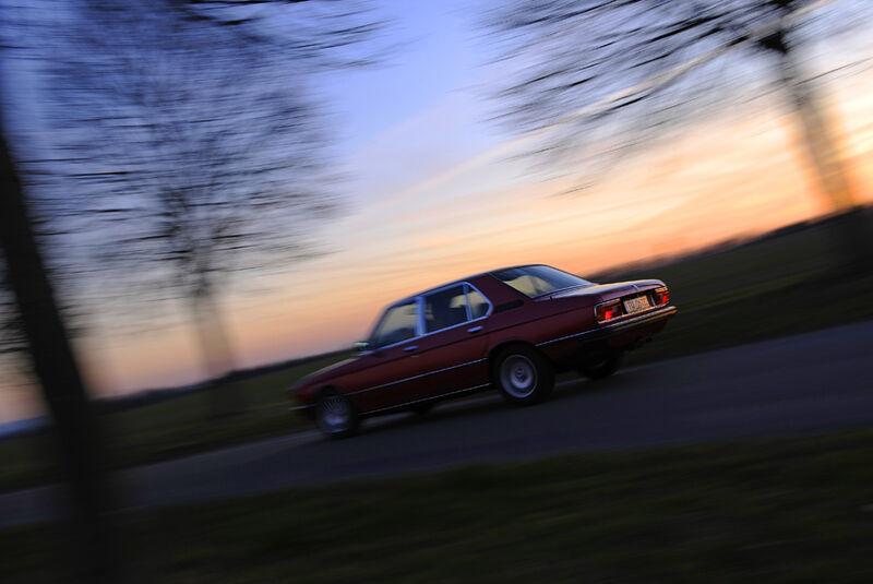 BMW 528i, Seitenansicht