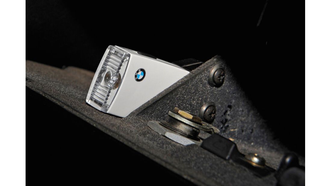 BMW 528i, Taschenlampe