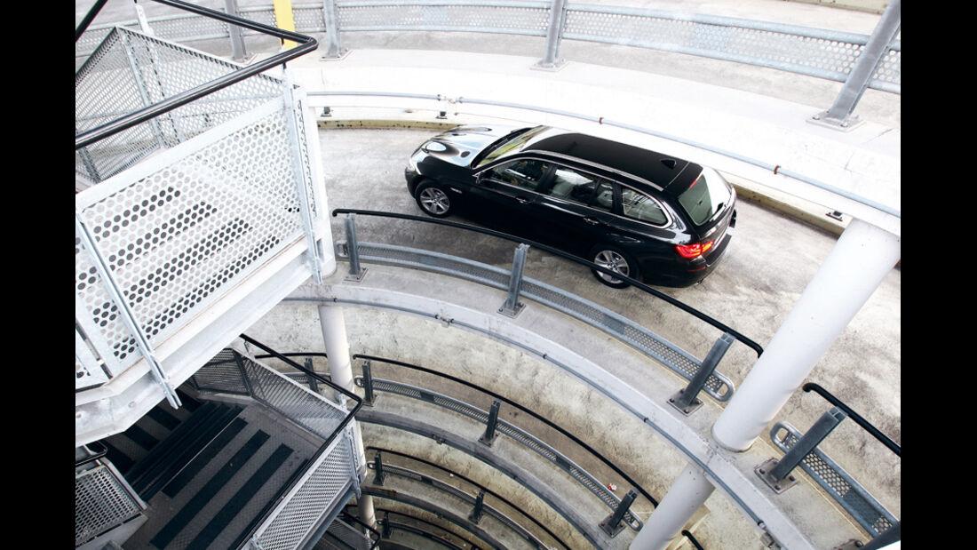 BMW 528i Touring, Kurvenfahrt