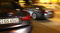 BMW 530, Lexus GS 450h, Heck, Tankstelle