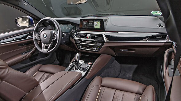 BMW 530i Luxury Line, Interieur