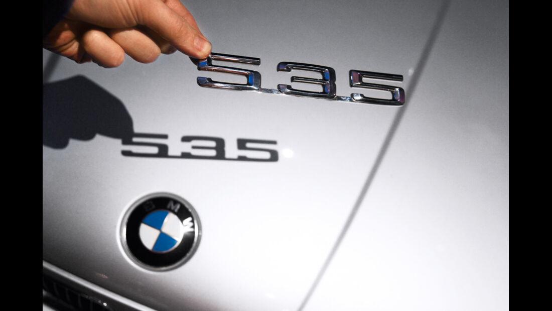 BMW 535i, Emblem