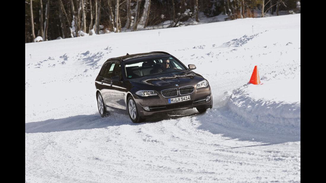BMW 535i Touring, Kurvenfahrt