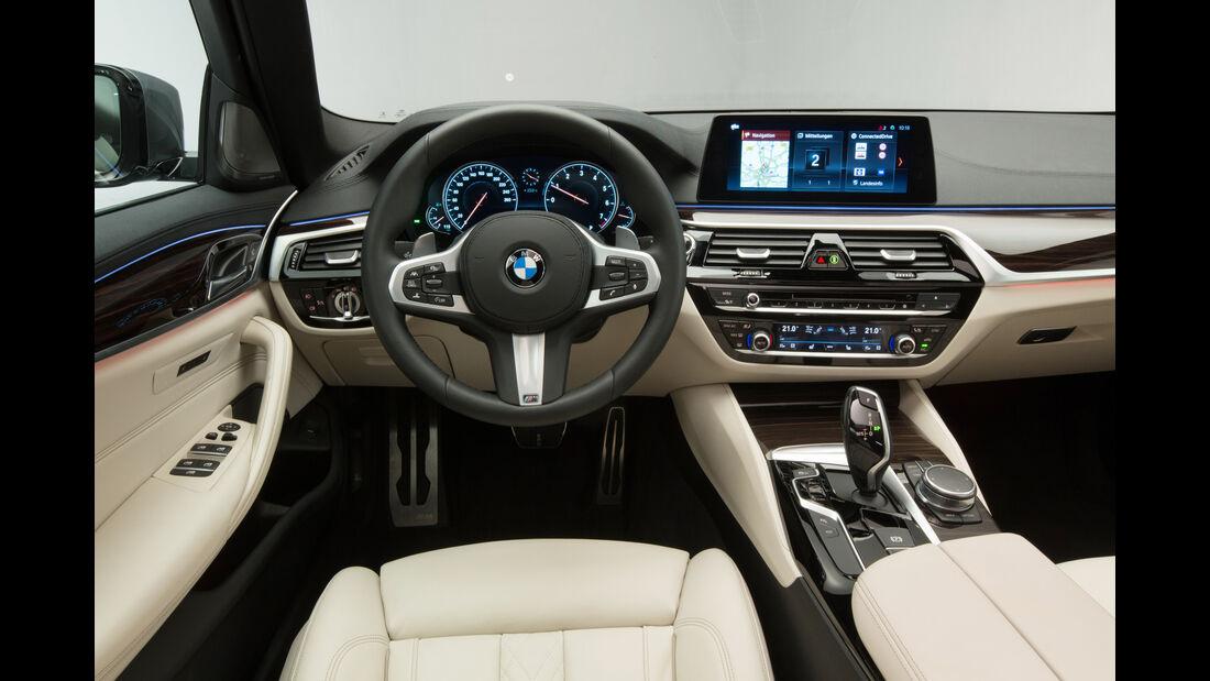 BMW 540i xDrive, Cockpit