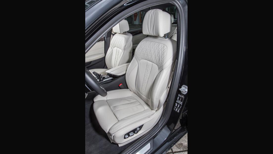 BMW 540i xDrive, Fahrersitz