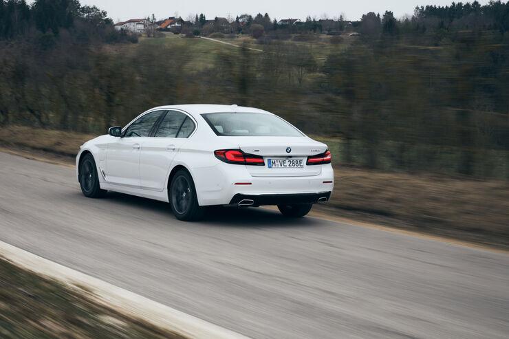 BMW-545e-xDrive-im-Test-Hybrid-5er-sparsamer-als-ein-Diesel-