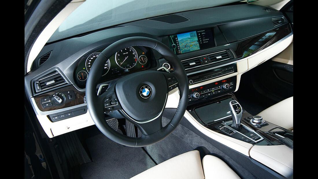 BMW 550i, Cockpit