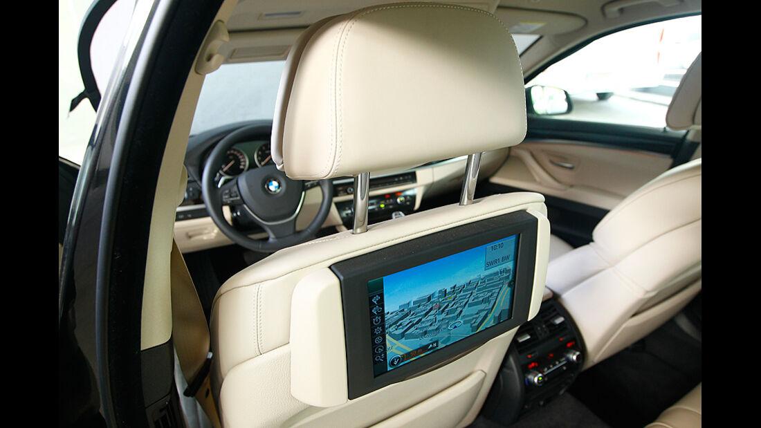 BMW 550i, Detail, Multimediaanlage, Bildschirm