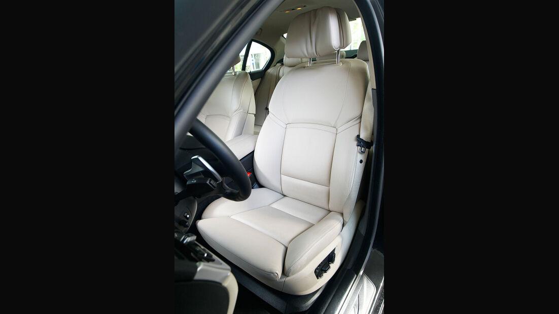 BMW 550i, Fahrersitz