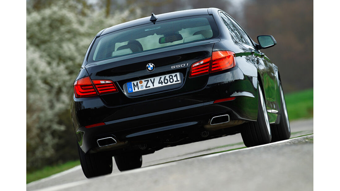 BMW 550i, RŸckansicht, Stra§e