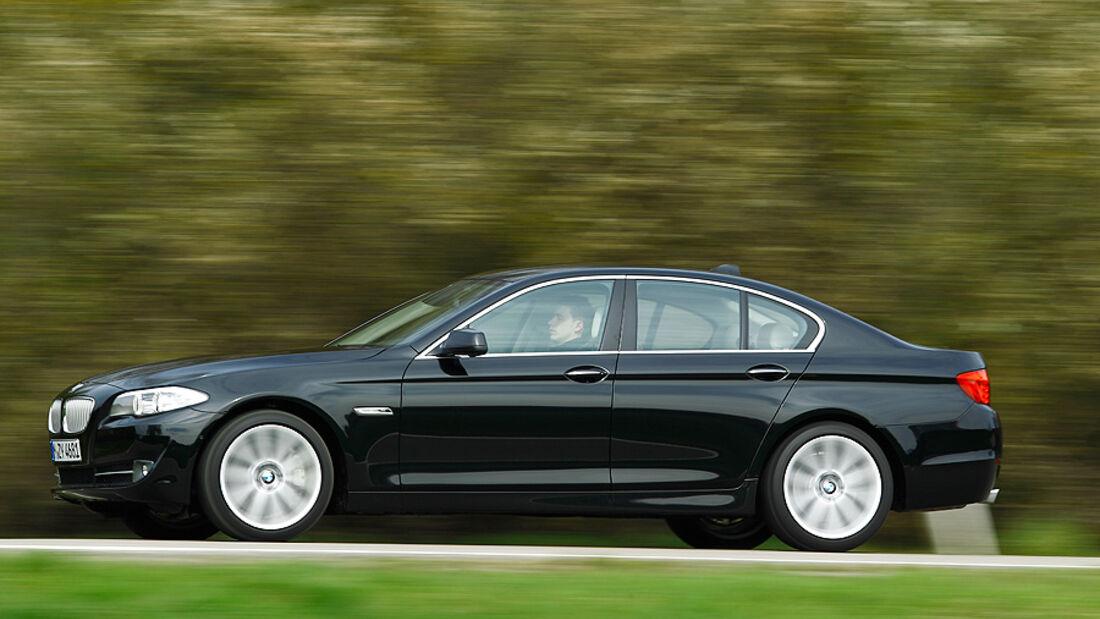 BMW 550i, Seitenansicht, Stra§e