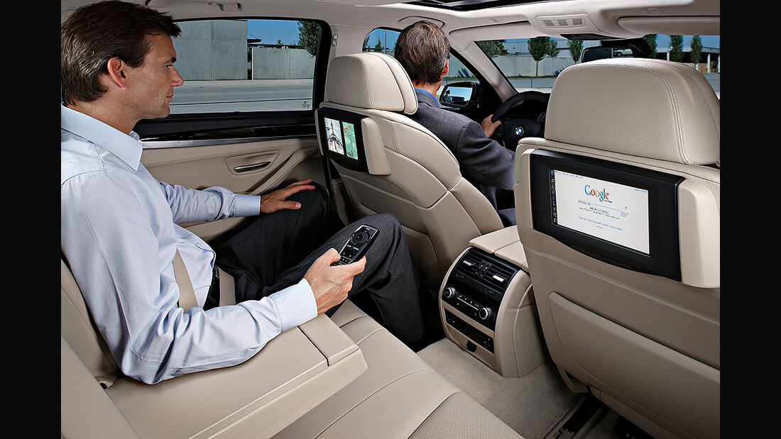 BMW 5er, Rückbank, TV-Monitore