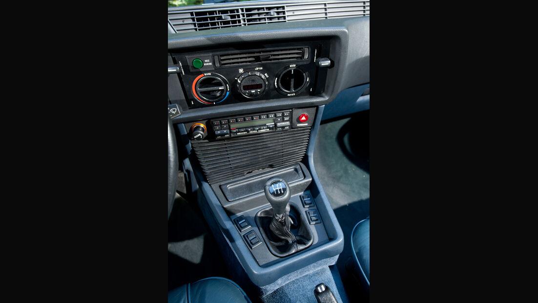 BMW 635 CSi, Mittelkonsole