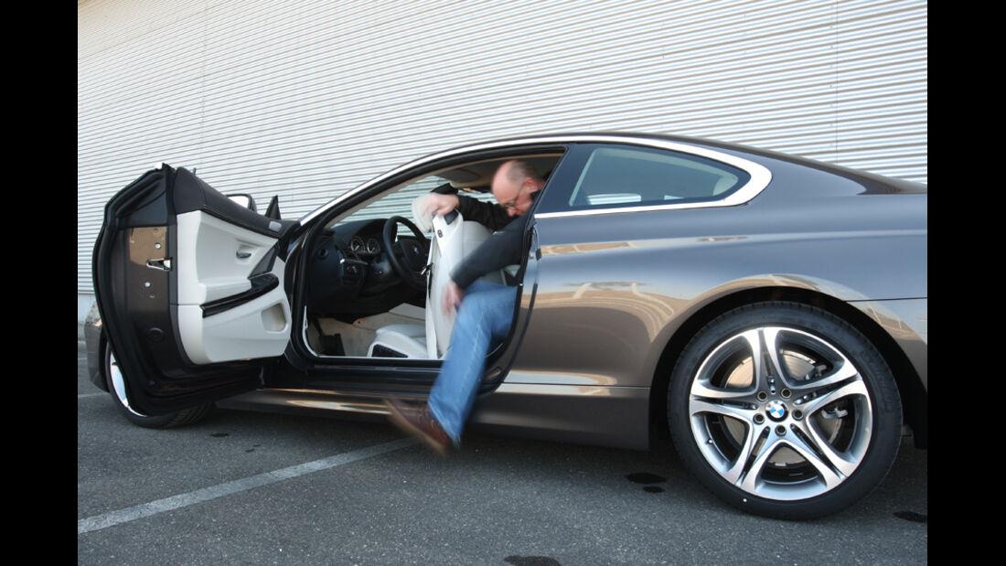 BMW 640i Coupe, Rücksitz, Aussteigen