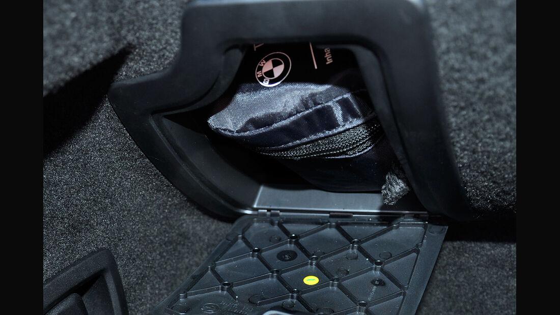 BMW 6er Gran Coupé, Innenraum-Check, Kofferraum, Erste-Hilfe-Kasten