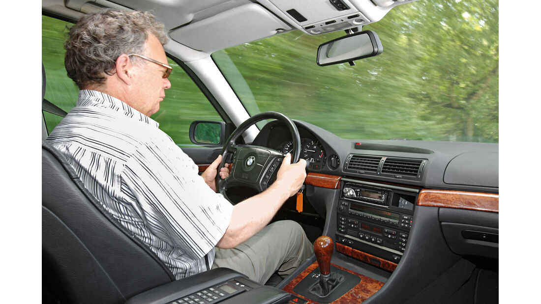BMW 728i Typ E38, Cockpit
