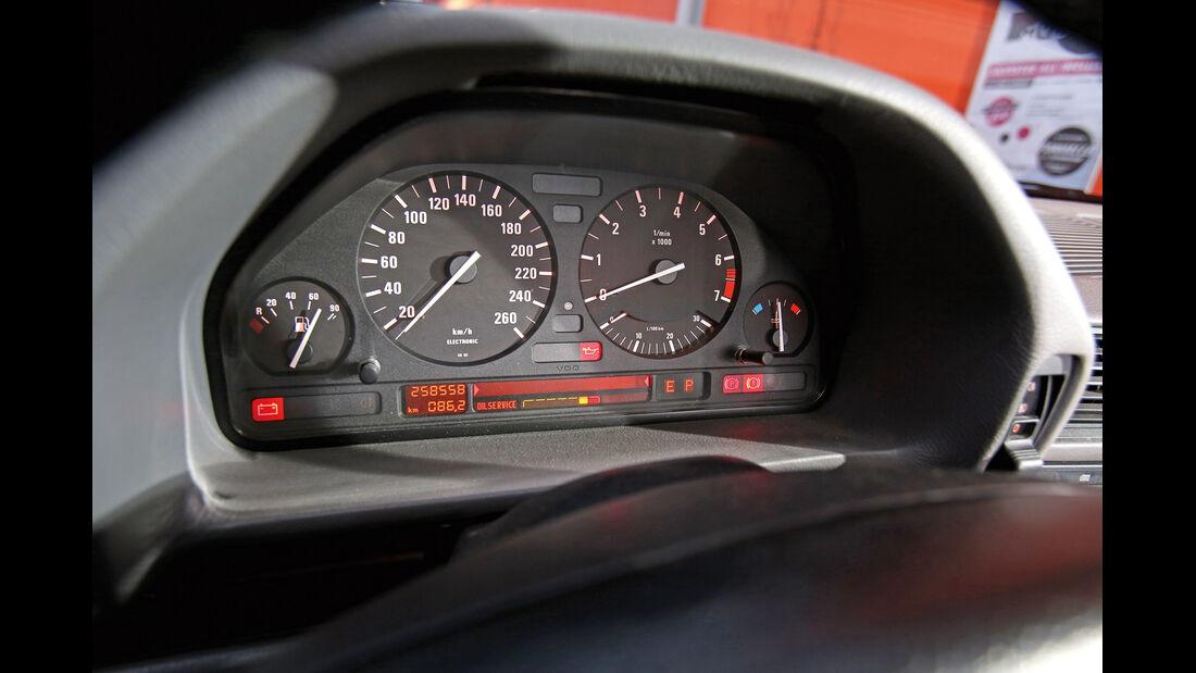 BMW 730i–750iL (E 32), V8/V12, Rundinstrumente