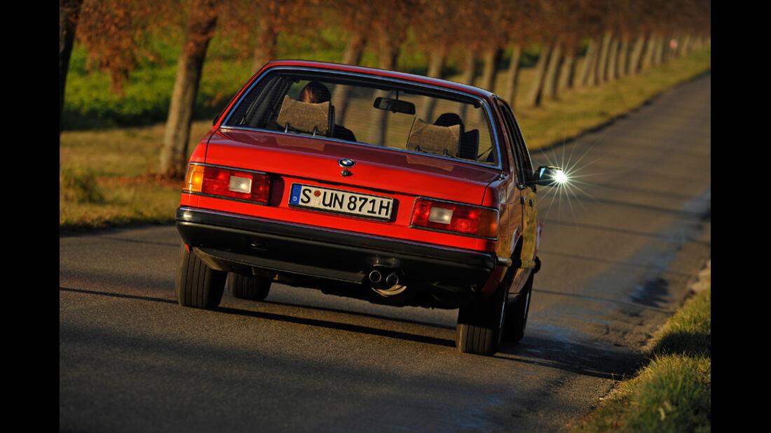 BMW 732i, Heck