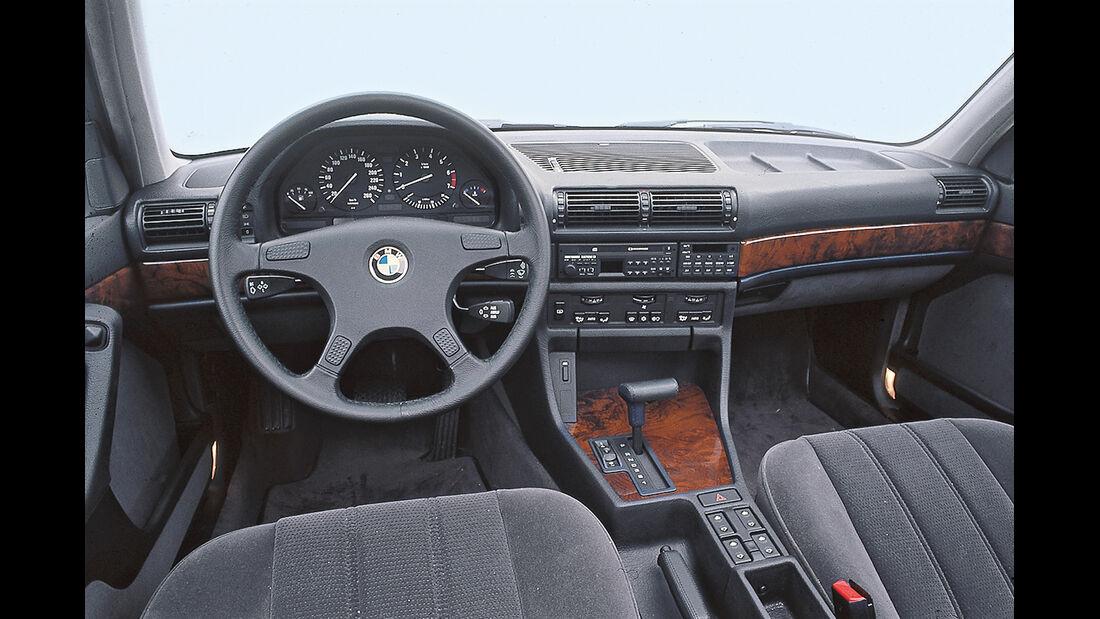 BMW 735i, Cockpit