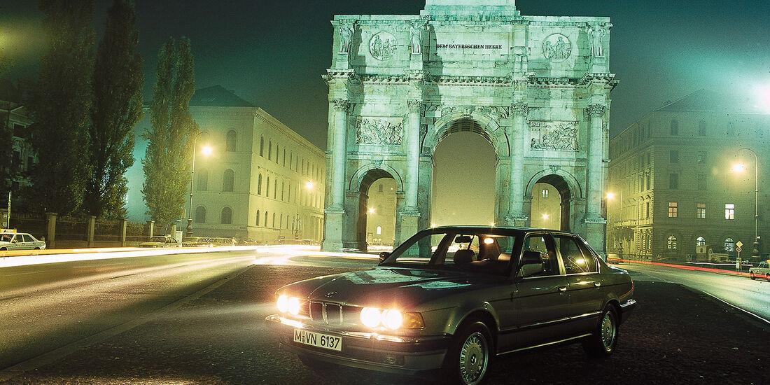 BMW 735i, Siegestor, Frontansicht