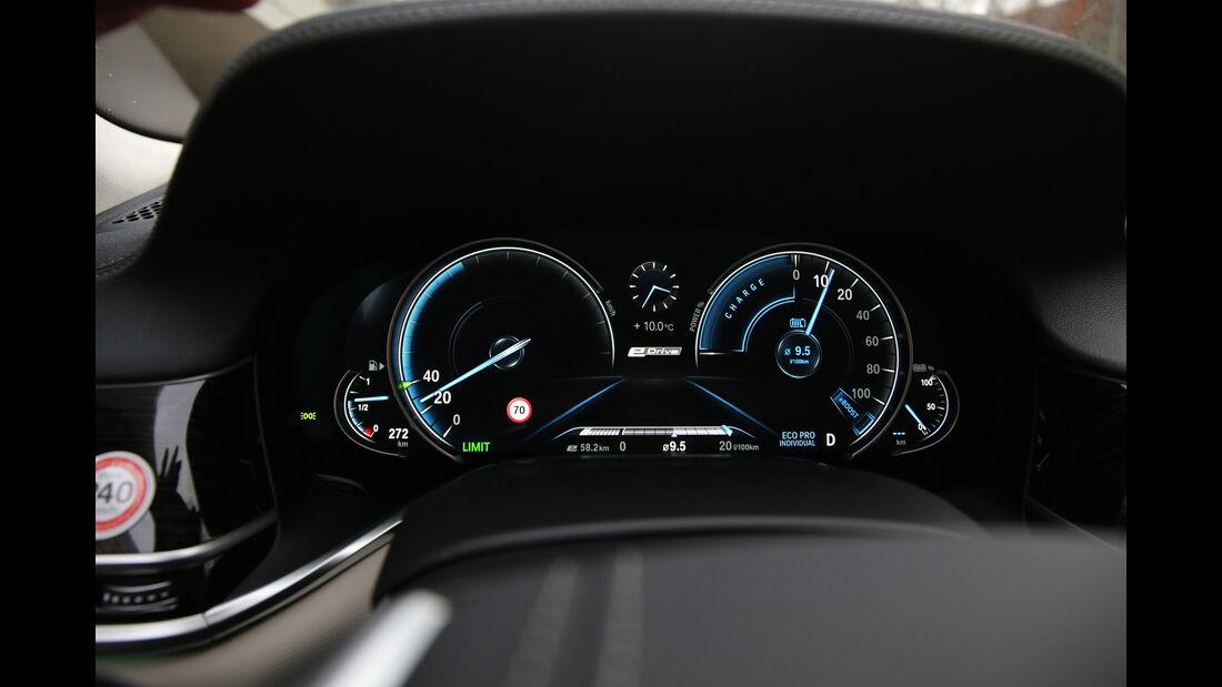 BMW 740Le iPerformance, Anzeigeinstrumente