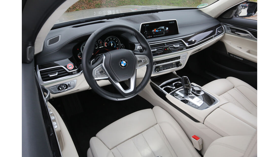 BMW 740Le iPerformance, Cockpit