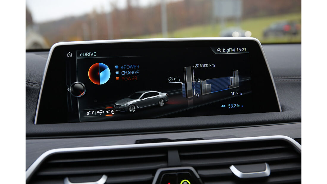 BMW 740Le iPerformance, Infotainment