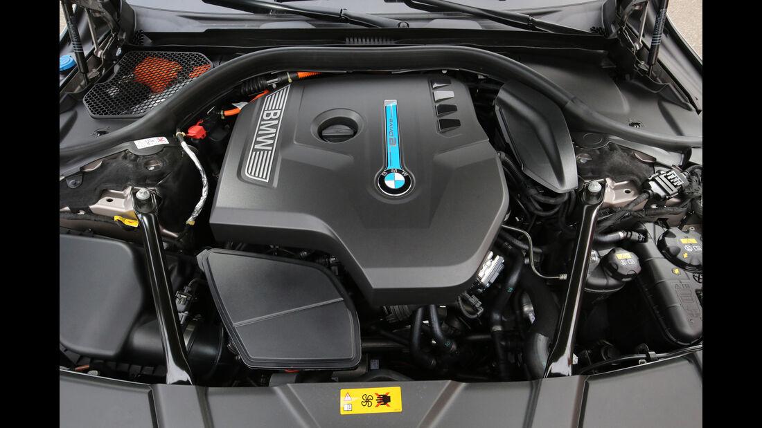 BMW 740Le iPerformance, Motor