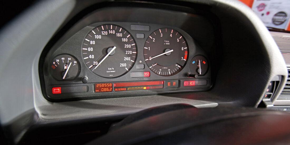 BMW 740i, Rundinstrumente