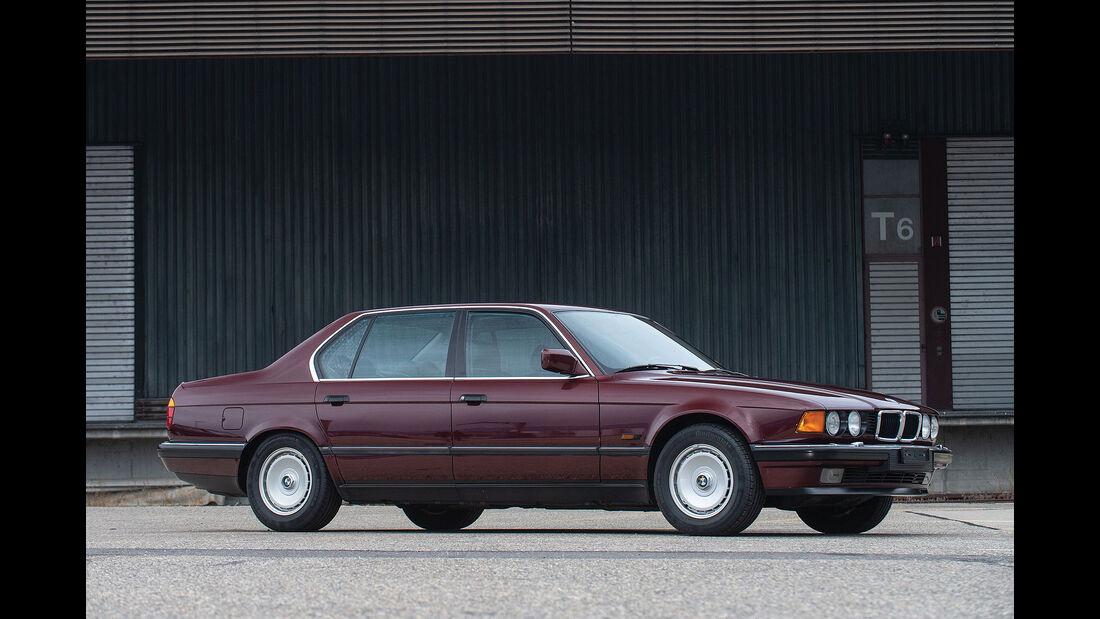 BMW 750 iL E32 (1989)