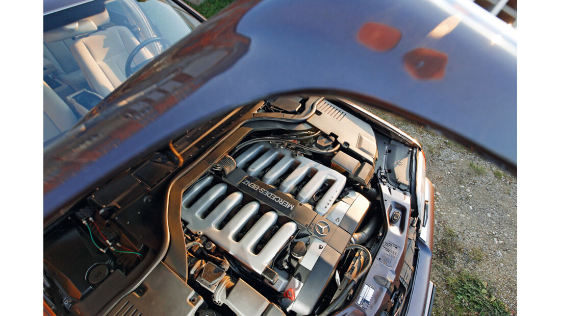 BMW 750 iL, Motor