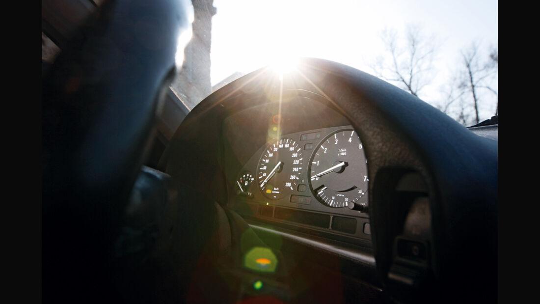 BMW 750 iL, Rundinstrumente, Tacho
